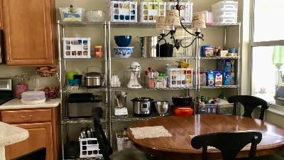 如何用置物架打造厨房壁橱?